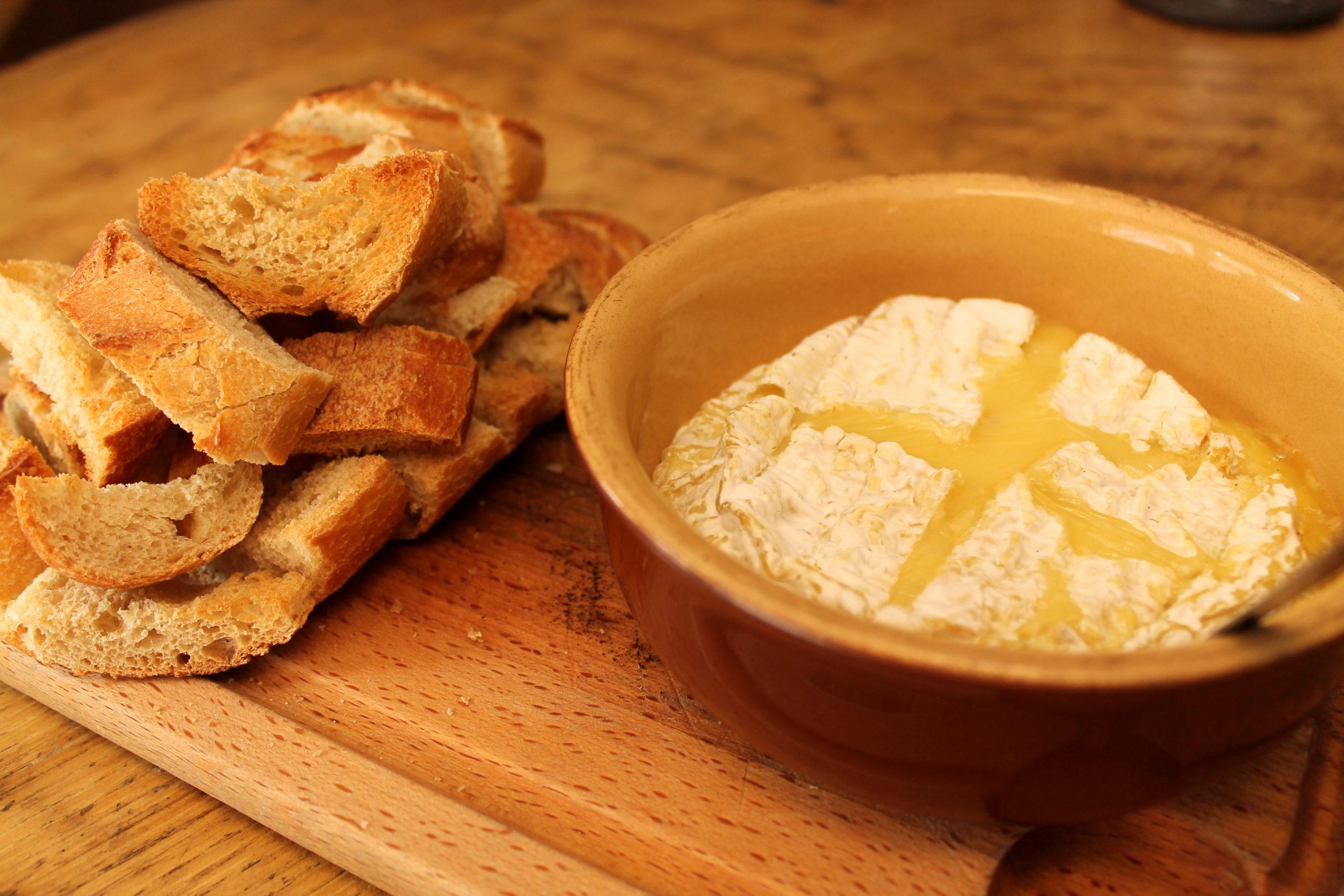 Entrée : Camembert rôti - Prise par Nob Guérin