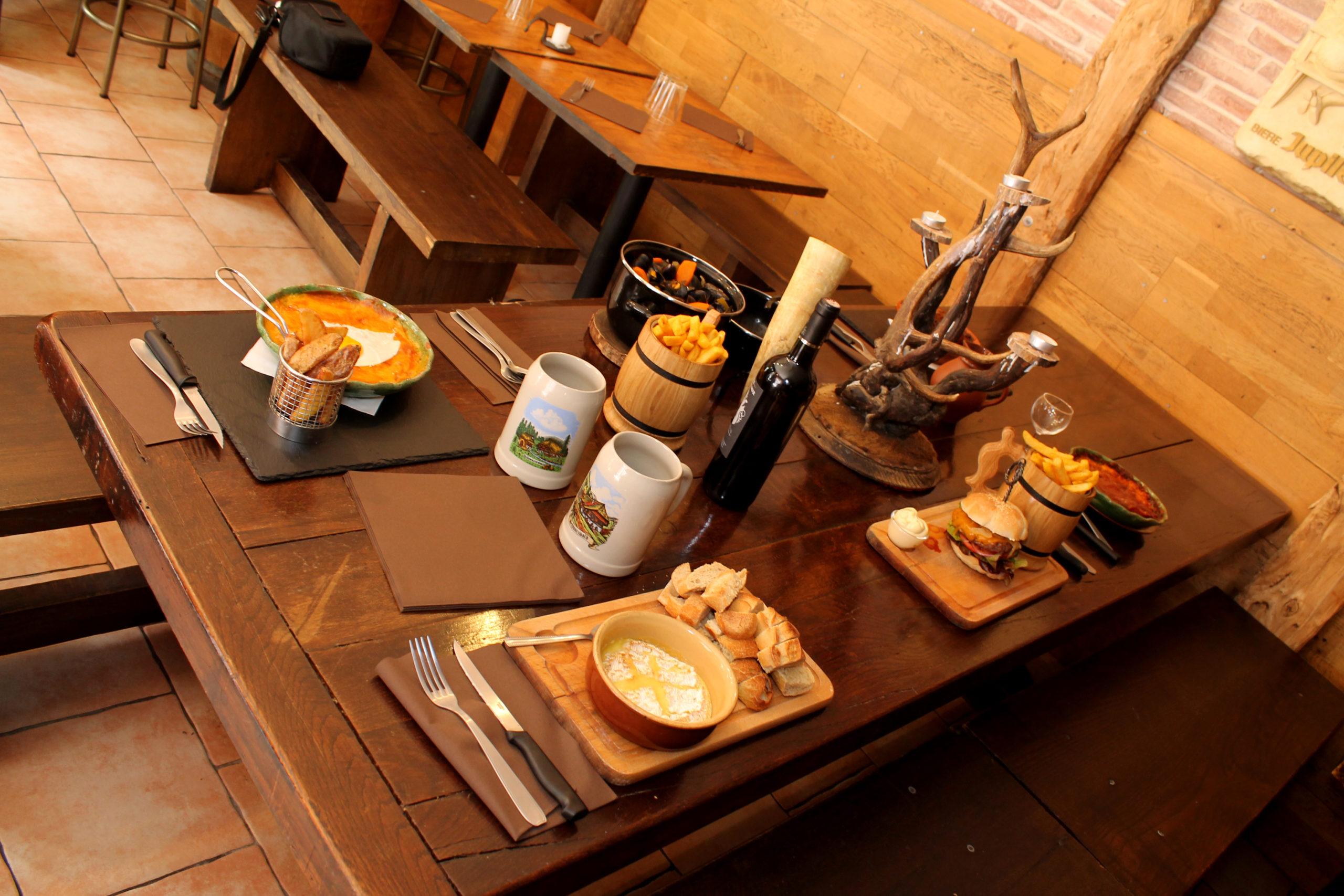 Table servie - Prise par Nob Guérin